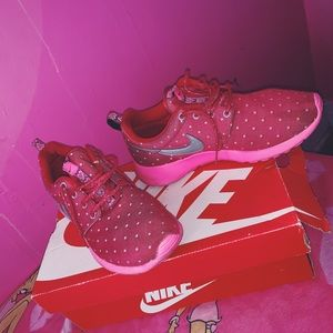 Nike Roshe Run Pink Polka Dot Sneakers